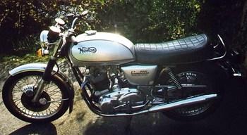 1978_Norton_Commando_-_LHS.jpg